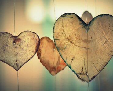 اسئلة عن الحب الحقيقي بنعم أو لا للشباب 100 اسئله حب لو خيروك محرجة